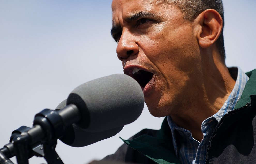 24.USA, Council Bluffs, 13 sierpnia 2012: Barack Obama w trakcie wystąpienia na wiecu wyborczym. AFP PHOTO/Jim WATSON