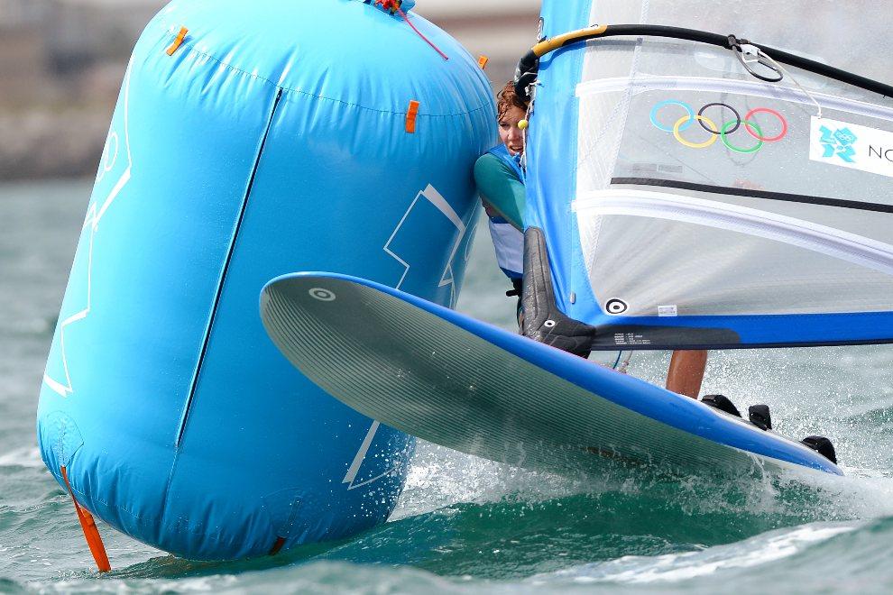 32.WIELKA BRYTANIA, Weymouth, 4 sierpnia 2012: Zofia Noceti-Klepacka wlaczy na trasie żeglarskiej w klasie RS:X. AFP PHOTO/William WEST