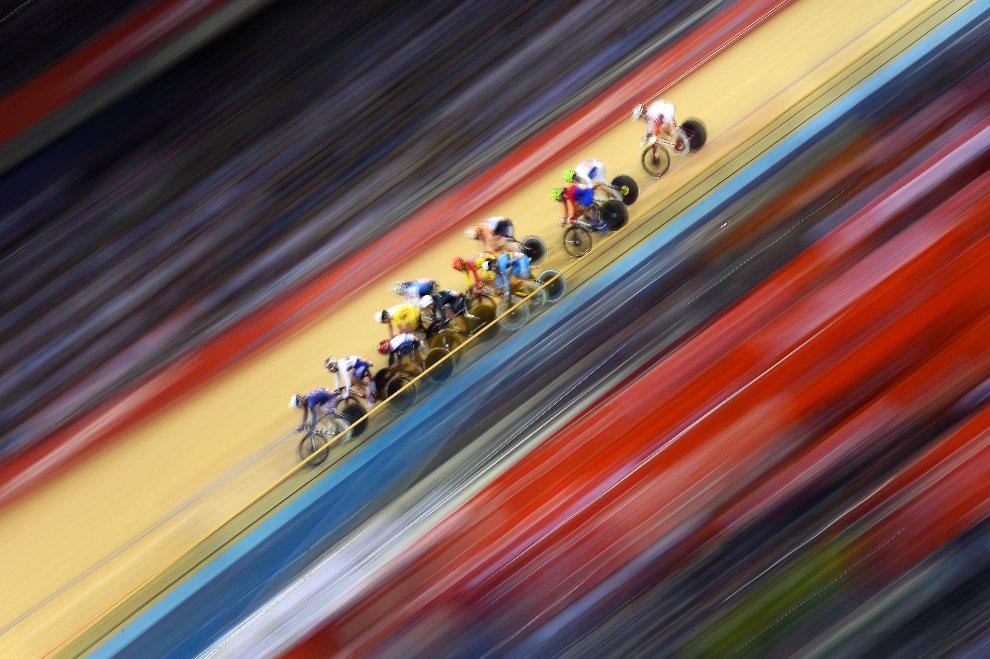 4.WIELKA BRYTANIA, Londyn, 6 sierpnia 2012: Wyścig na torze kolarskim w parku olimpijskim. AFP PHOTO /CARL DE SOUZA