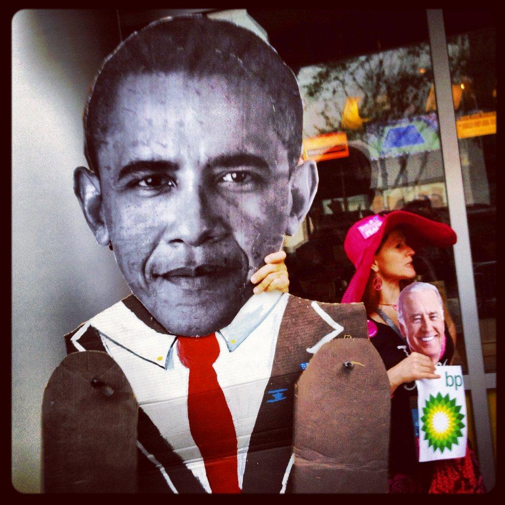 """2.USA, Charlotte, 2 września 2012: Manifestacja """"Code Pink"""" przed rozpoczęciem konwentu Partii Demokratycznej. (Foto: Tom Pennington/Getty Images)"""