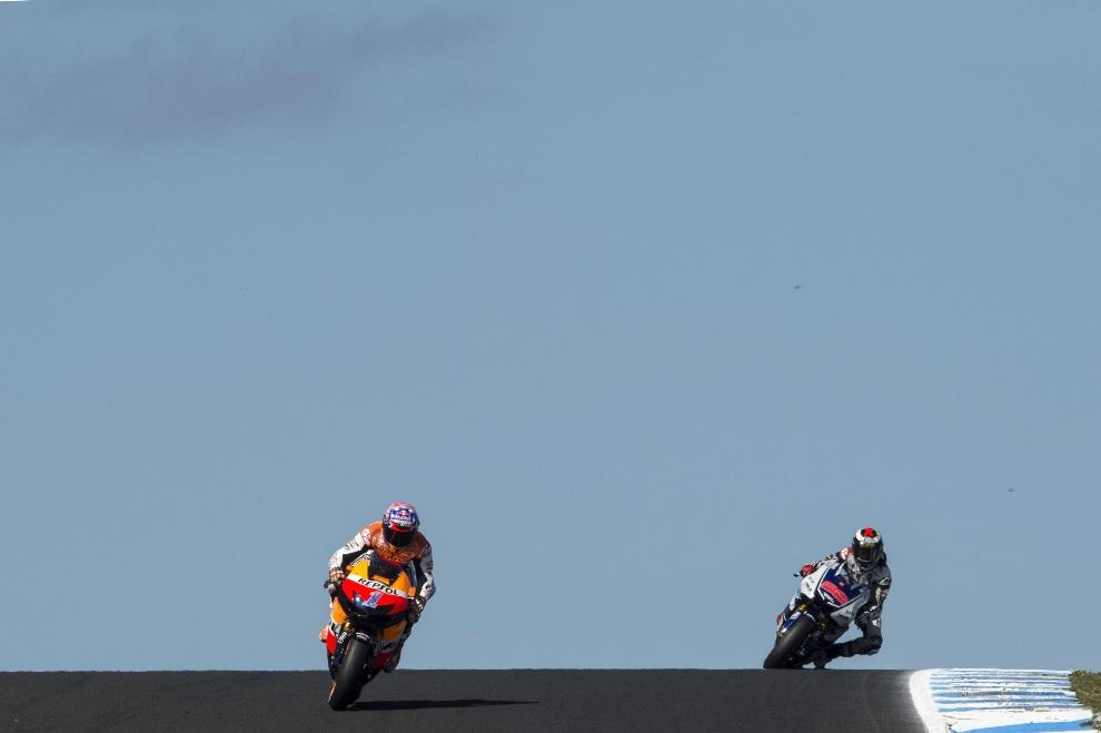17.AUSTRALIA, Phillip Island, 28 października 2012: Casey Stoner z zespołu Repsol Honda na prowadzeniu podczas GP Australii. (Foto: Mirco Lazzari gp/Getty Images)