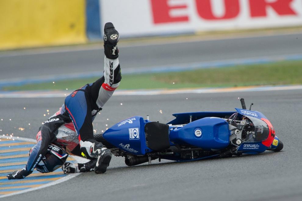 26.FRANCJA, Le Mans, 19 maja 2012: Upadek Jacka Millera z zespołu  Caretta Technology. (Foto: Mirco Lazzari gp/Getty Images)