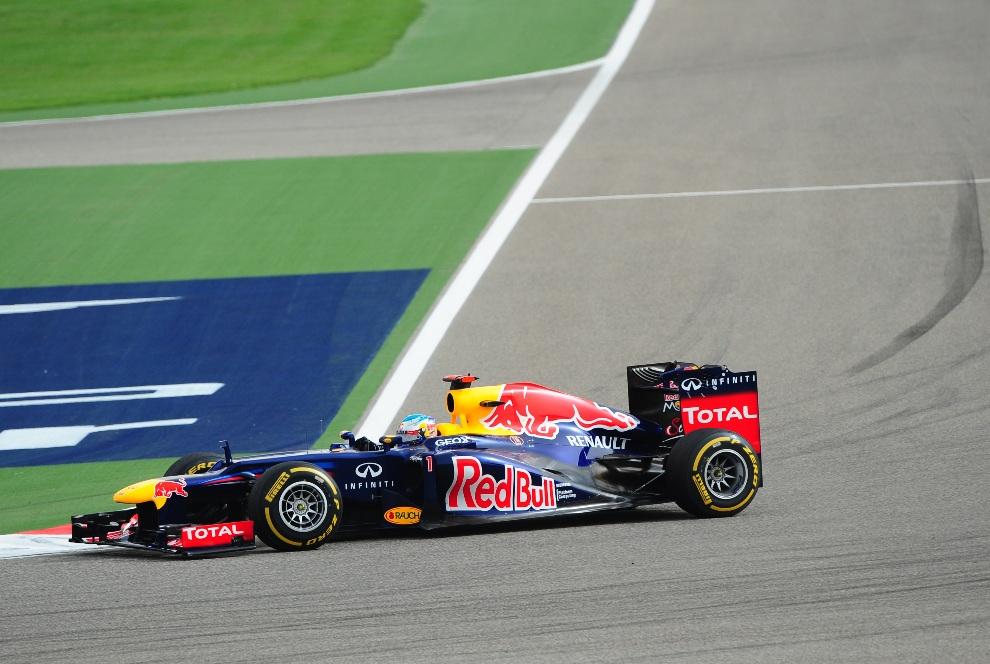 25.BAHRAJN, Manama, 22 kwietnia 2012: Sebastian Vettel podczas Grand Prix Bahrajnu. AFP PHOTO / Tom Gandolfini