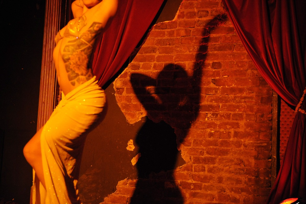 26.USA, Nowy Jork, 18 wrześna 2008: Występ Angie Pontani na corocznym New York Burlesque Festival. AFP PHOTO/Stan HONDA