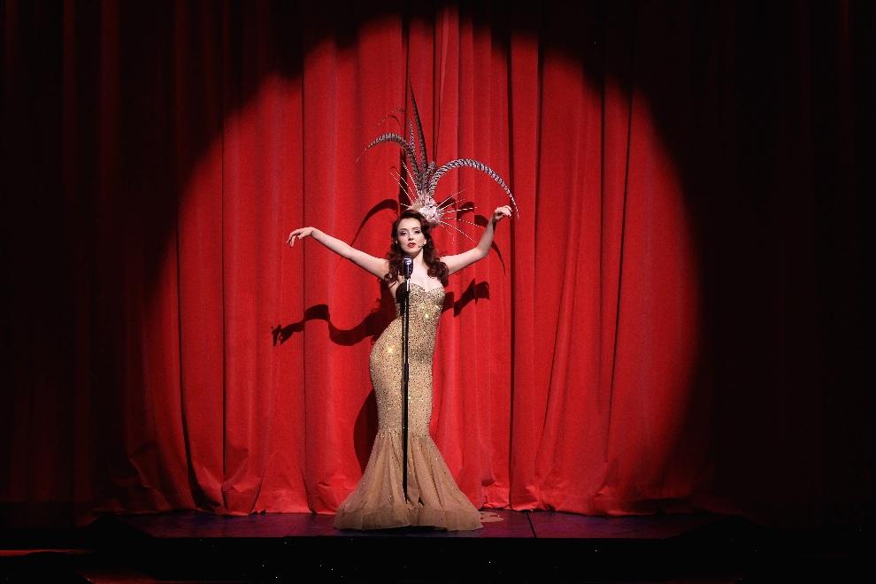 28.WIELKA BRYTANIA, Londyn, 9 marca 2011: Polly Rae w trakcie sesji fotograficznej Garrick Theatre. (Foto: Chris Jackson/Getty Images)
