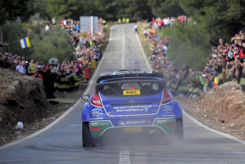 29.HISZPANIA, Tarragona, 10 listopada 2012: Ford Fiesta RS WRC prowadzony przez  Fina Jari Matti Latvala. AFP PHOTO/ JOSEP LAGO