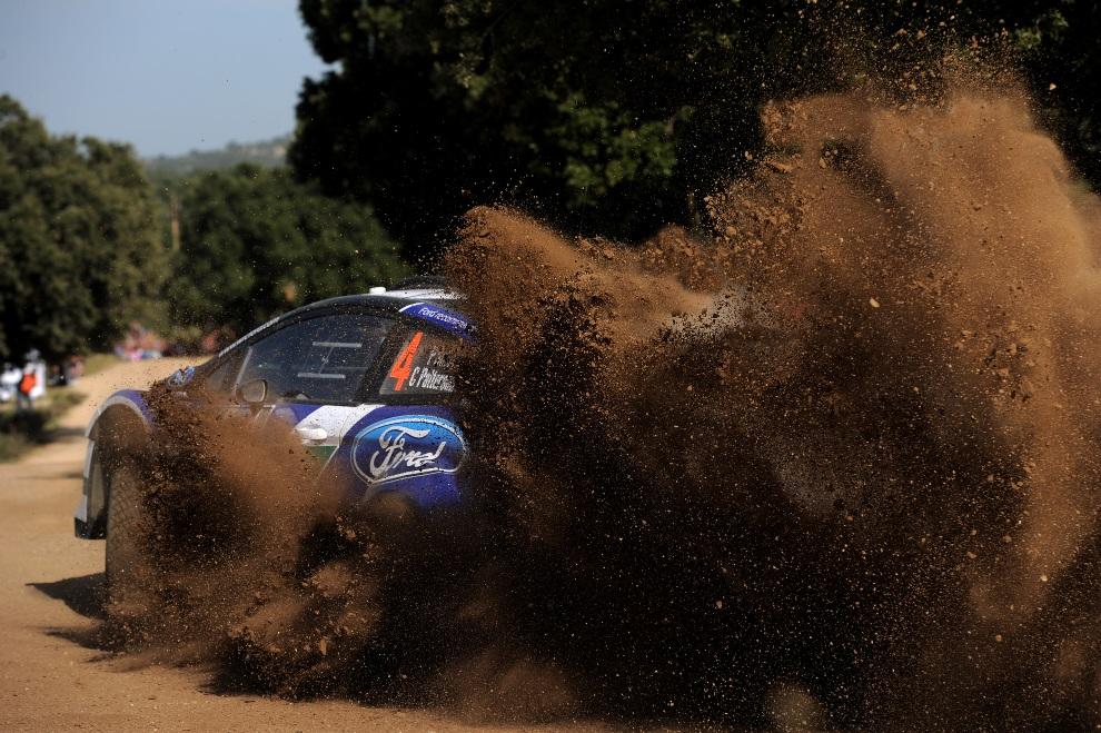 2.WŁOCHY, Olbia, 20 październik 2012: Załoga Petter Solberg i Chris Patterson w Fordzie Fiesta RS WRC. (Foto: Massimo Bettiol/Getty Images)