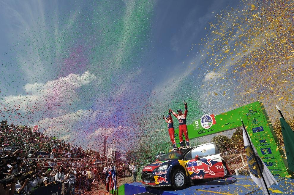 33.MEKSYK, Leon, 11 marca 2012: Załoga Sebastien Loeb i Daniel Elena cieszą się ze zwycięstwa w rajdzie Meksyku. (Foto: Massimo Bettiol/Getty Images