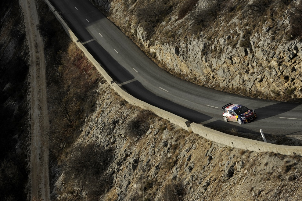 6.MONTE CARLO, Monako, 20 stycznia 2012: Załoga Sebastien Loeb / Daniel Elena podczas rajdu w Monte Carlo. (Foto: Massimo Bettiol/Getty Images)