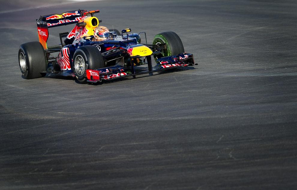8.USA, Austin, 16 listopada 2012: Sebastian Vettel podczas pierwszej sesji treningowej. AFP PHOTO/Jim WATSON