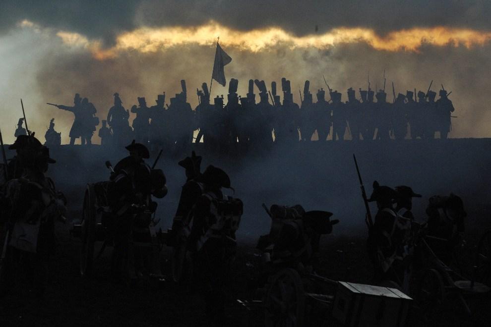 23.CZECHY, Brno, 1 grudnia 2012: Rekonstrukcja bitwy pod Austerlitz (Sławków). AFP PHOTO/MICHAL CIZEK