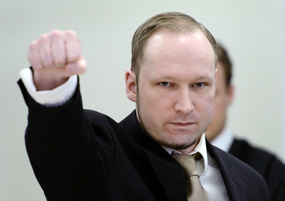 30.NORWEGIA, Oslo, 17 kwietnia 2012: Anders Behring Breivik na sali rozpraw. AFP PHOTO / ODD ANDERSEN