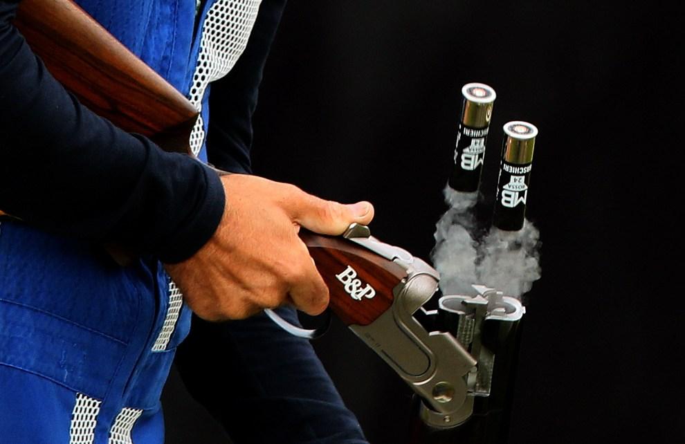 7.WIELKA BRYTANIA, Londyn, 31 lipca 2012: Łuski wyskakujące z broni należącej do Ennio Falco (Włochy). AFP PHOTO/MARWAN NAAMANI