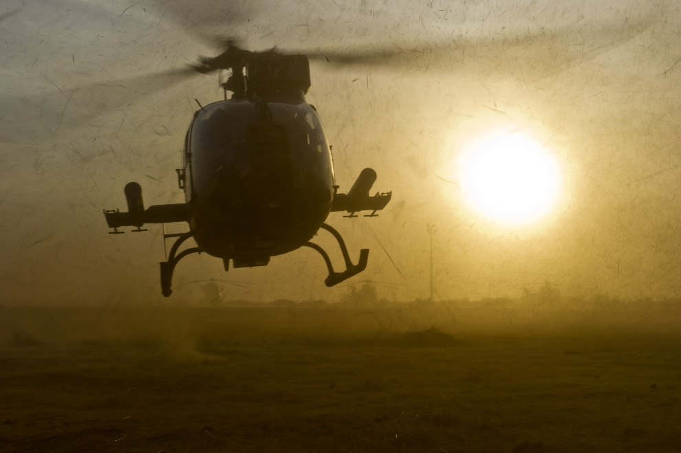 10. MALI, Sevare, 23 stycznia 2013: Francuski helikopter lądujący w bazie sił powietrznych w Sevare. AFP PHOTO / ECPAD / JEREMY LEMPIN