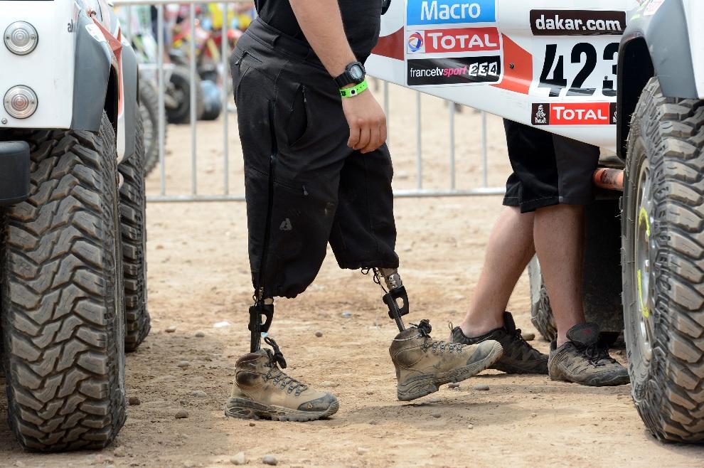 24.PERU, Lima, 3 stycznia 2013: Były saper, Mark Zambon, członek zespołu Race 2 Recovery. AFP PHOTO / FRANCK FIFE
