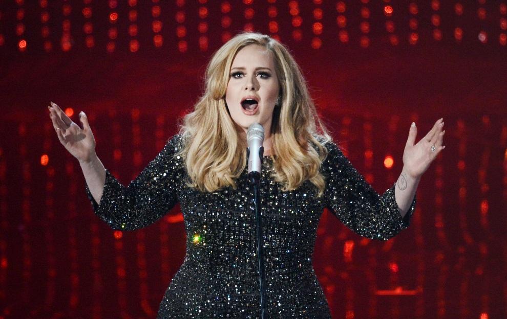 19.USA, Hollywood, 24 lutego 2013: Występ Adele podczas gali wręczenia Oscarów. Kevin Winter/Getty Images/AFP
