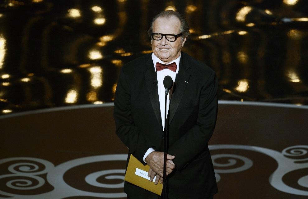 24.USA, Hollywood, 24 lutego 2013: Jack Nicholson prezentuje kandydatów do nagrody w jednej z kategorii. (Foto: Kevin Winter/Getty Images)
