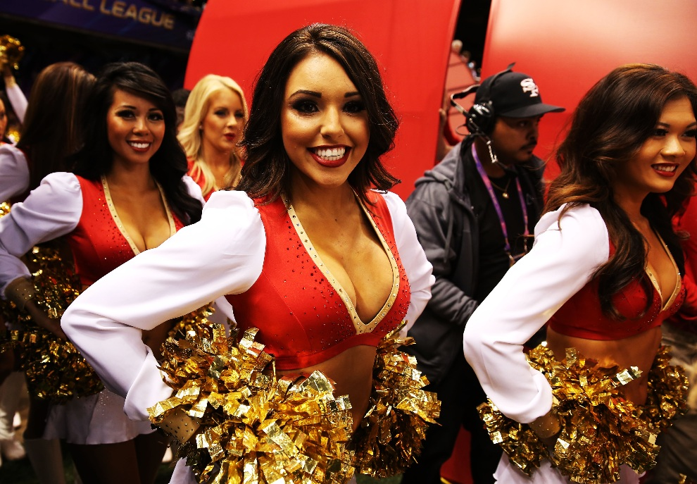 5.USA, Nowy Orlean, 3 lutego 2013: Cheerleaderki drużyny San Francisco 49ers. (Foto: Christian Petersen/Getty Images)