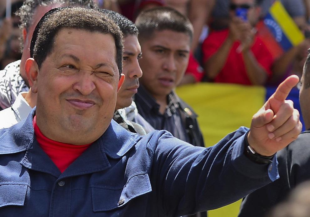 17.WENEZUELA, Caracas, 7 października 2012: Hugo Chavez w dniu wyborów prezydenckich przed oddaniem głosu. AFP PHOTO/LUIS ACOSTA