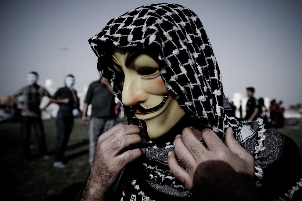 18.BAHRAJN, Karannah, 1 marca 2013: Jeden z uczestników manifestacji antyrządowych. AFP PHOTO/MOHAMMED AL-SHAIKH