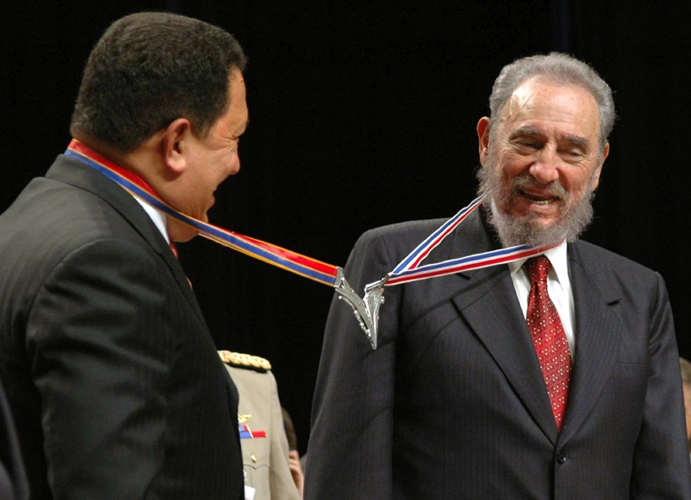 9.KUBA, Hawana, 20 sierpnia 2005: Hugo Chavez podczas spotkania z Fidelem Castro. AFP