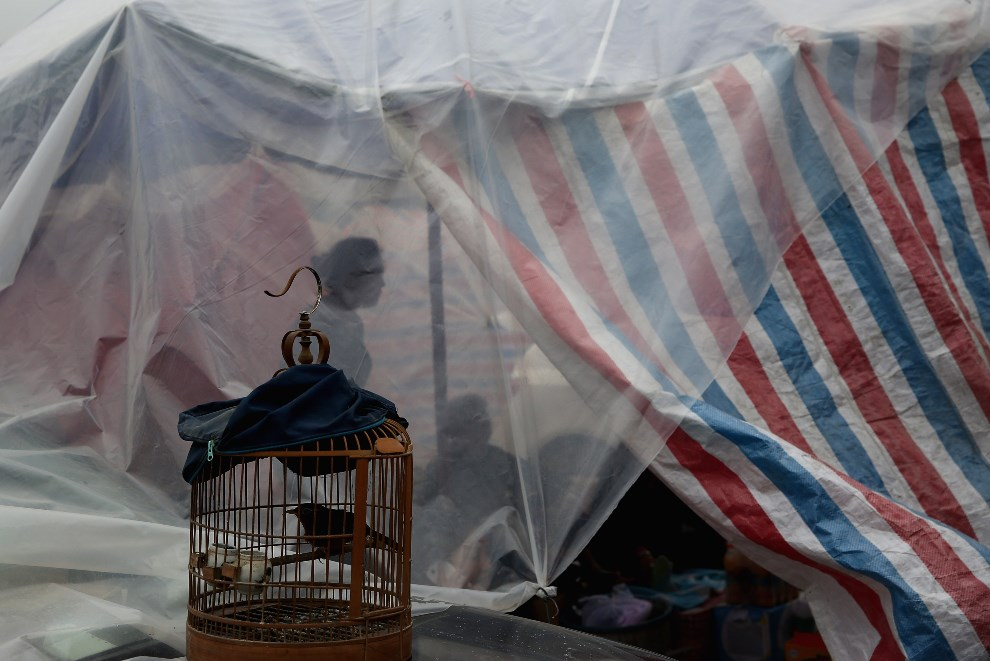 26.CHINY, Chengdu, 22 kwietnia 2013: Jeden z prowizorycznych namiotów przeznaczonych dla ofiar kataklizmu. ( Foto: Feng Li/Getty Images)