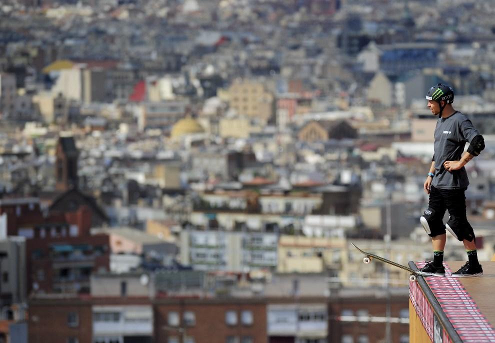 22.HISZPANIA, Barcelona, 14 maja 2013: Jeden z zawodników podczas treningu na X-Games. AFP PHOTO / JOSEP LAGO