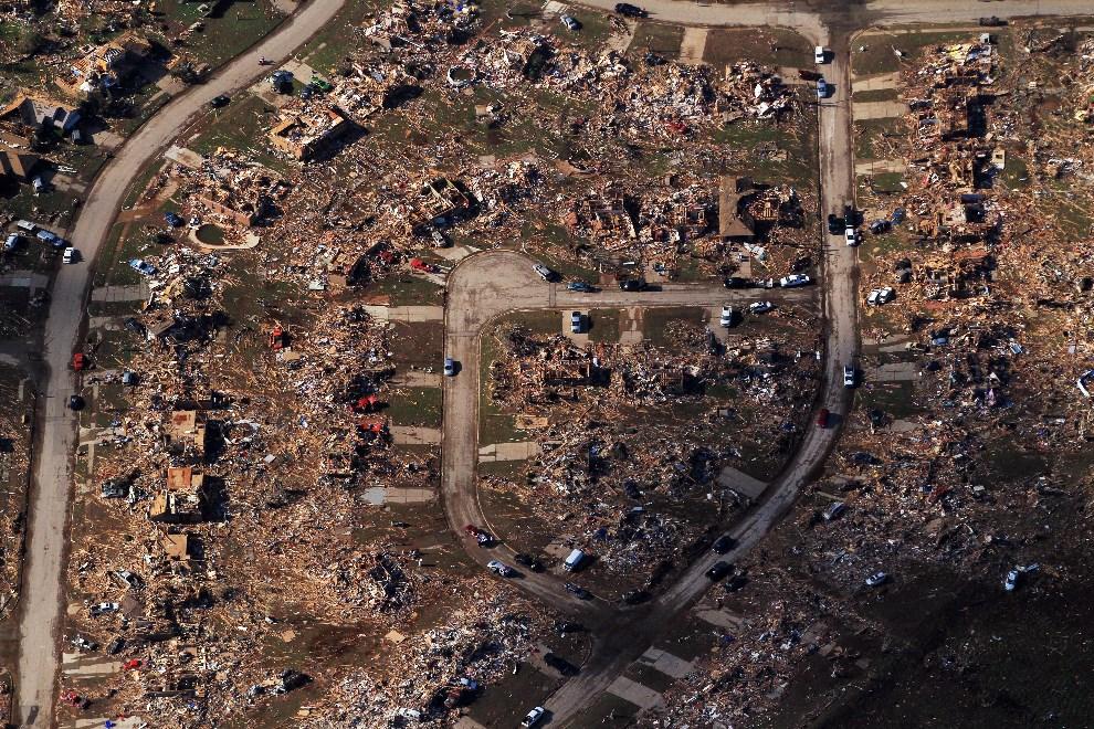 34.USA, Moore, 21 maja 2013: Obszar zniszczony przez tornada. (Foto: Benjamin Krain/Getty Images)
