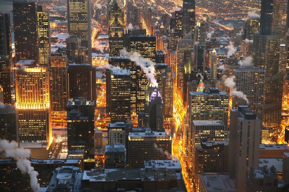 11.USA, Chicago, 7 stycznia 2014: Panorama centrum Chicago, gdzie od kilku dni panują ostre mrozy. Scott Olson/Getty Images/AFP