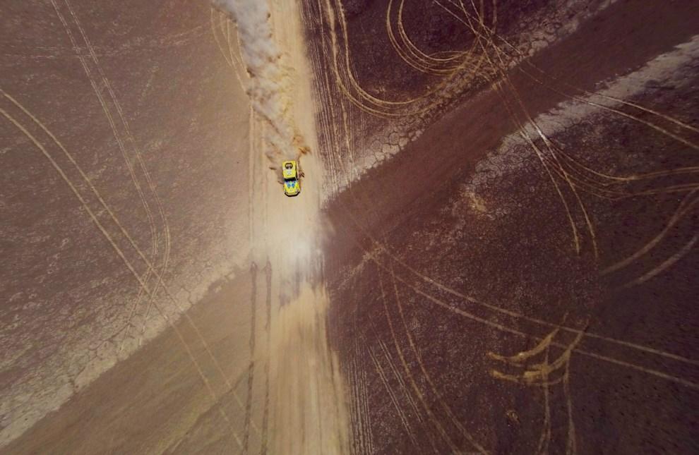 20.CHILE, Atacama, 13 stycznia 2014: Mike Jones na pustynia Atacama. EPA/ARIEL MARINKOVIC Dostawca: PAP/EPA.