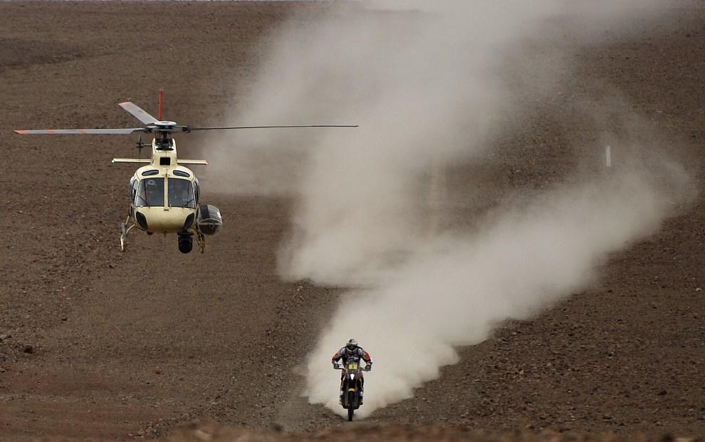 30.CHILE, La Serena, 17 stycznia 2014: Marc Coma na KTM podczas Rajdu Dakar. AFP PHOTO / FRANCK FIFE