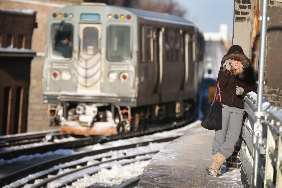 3.USA, Chicago, 7 stycznia 2014: Stacja kolejki miejskiej. Scott Olson/Getty Images/AFP