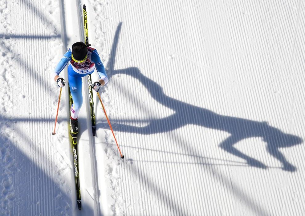 11. Rosja, Krasna Polana, 13 lutego 2014: Finka Kerttu Niskanen na trasie 10 kilometrowego wyścigu stylem klasycznym. AFP PHOTO / ODD ANDERSEN