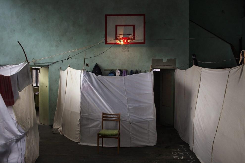 11.BYŁGARIA, Sofia, 21 listopada 2013: Miejsce tymczasowego pobytu uciekinierów z Syrii. EPA/ALESSANDRO PENSO / ONOFFPICTURE
