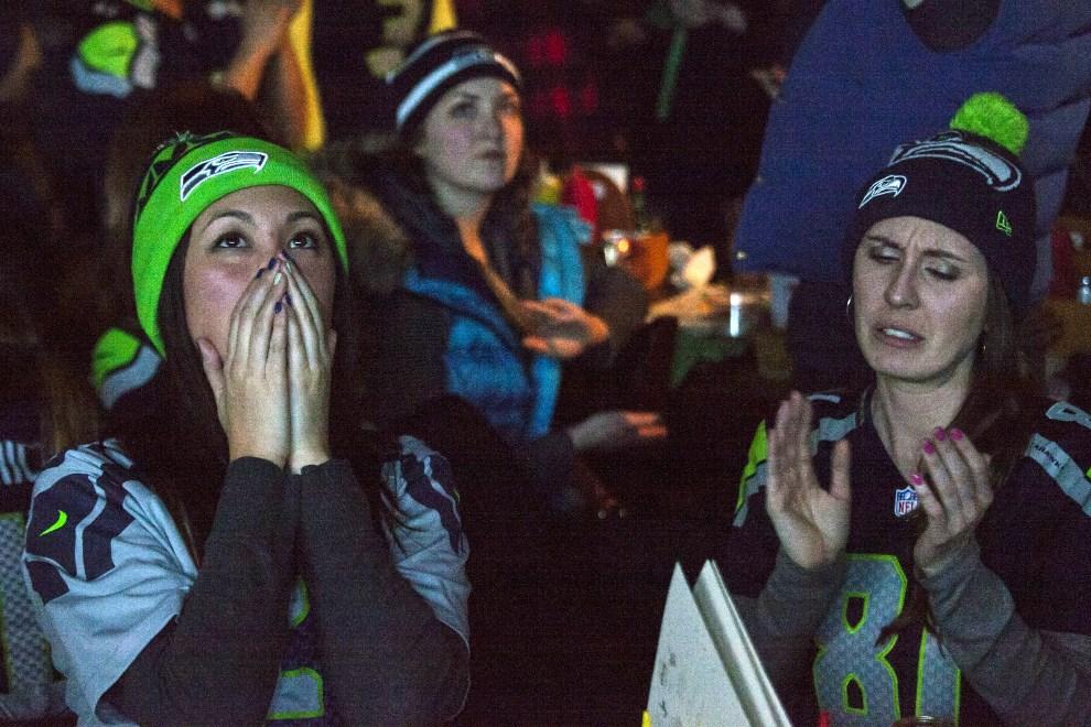 14.USA, Seattle, 2 lutego 2014: Kibice Seattle Seahawks zebrani w jednym z barów w Seattle. (Foto: David Ryder/Getty Images)