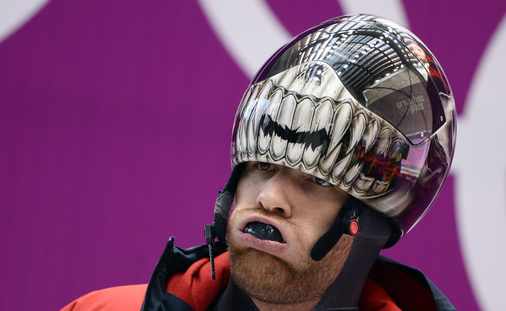 1. ROSJA, Krasna Polana, 10 lutego 2014: Kanadyjczyk Eric Neilson podczas treningu. AFP PHOTO / LIONEL BONAVENTURE
