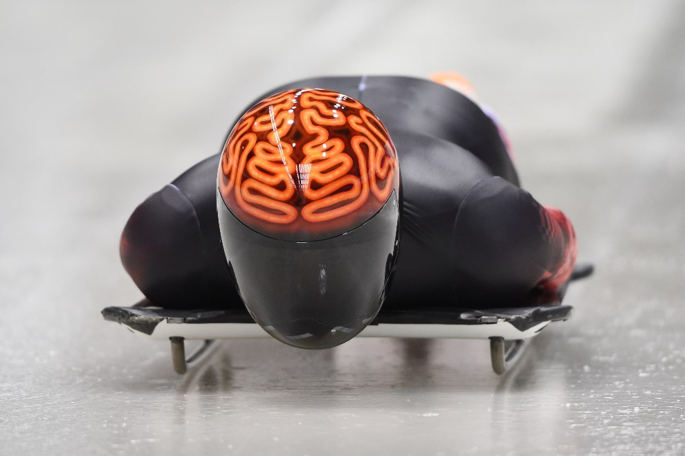 22. ROSJA, Krasna Polana, 9 lutego 2014: Kanadyjczyk John Fairbairn podczas treningu. AFP PHOTO / LEON NEAL
