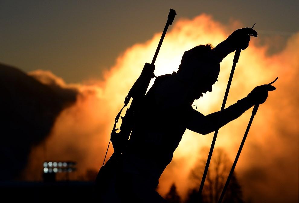 22.ROSJA, Krasna Polana, 5 lutego 2014: Biatlonista podczas treningu. (Foto: Lars Baron/Getty Images)