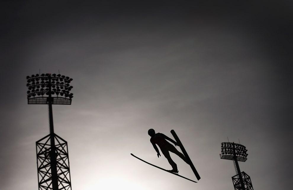 25.ROSJA, Soczi, 9 lutego 2014: Sesja treningowa na normlanej skoczni. (Foto: Ryan Pierse/Getty Images)