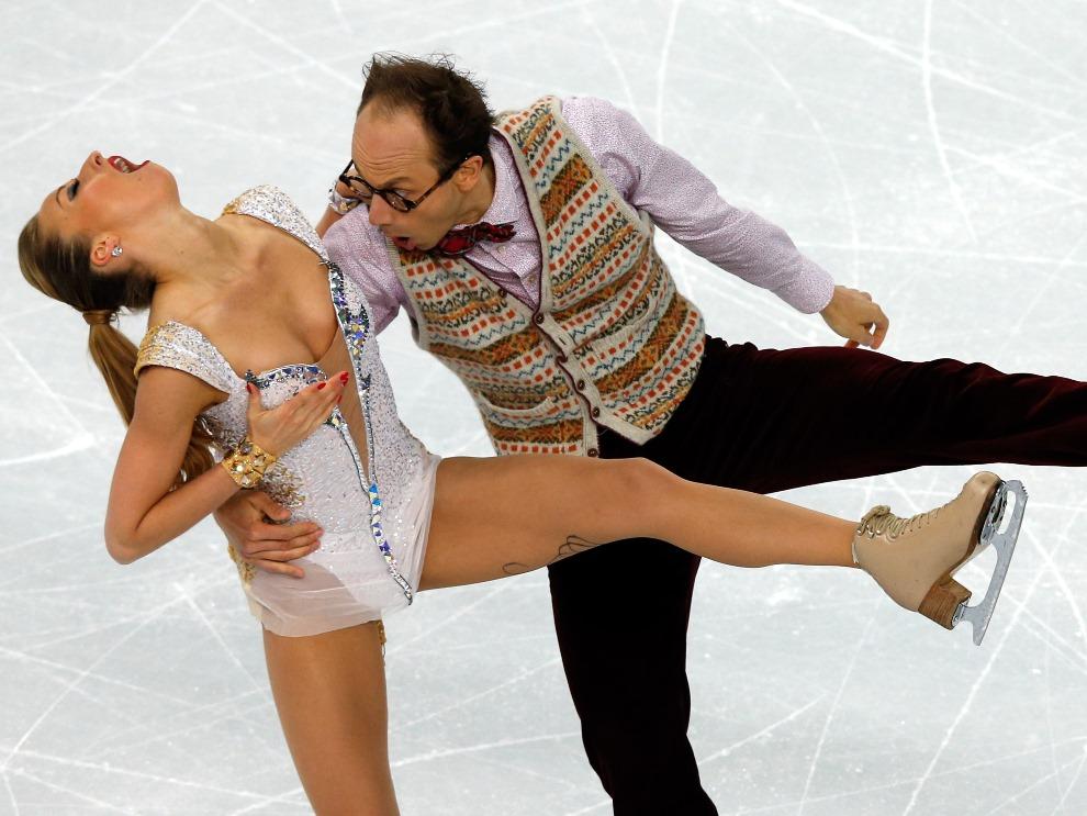 27. ROSJA, Soczi, 16 lutego 2014: Niemiecka para taneczna podczas występu. AFP PHOTO/ADRIAN DENNIS