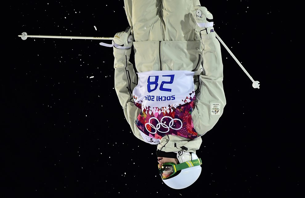7. ROSJA, Krasna Polana, 10 lutego 2014: Australijczyk Brodie Summers w trakcie finału narciarstwa dowolnego. AFP PHOTO / JAVIER SORIANO
