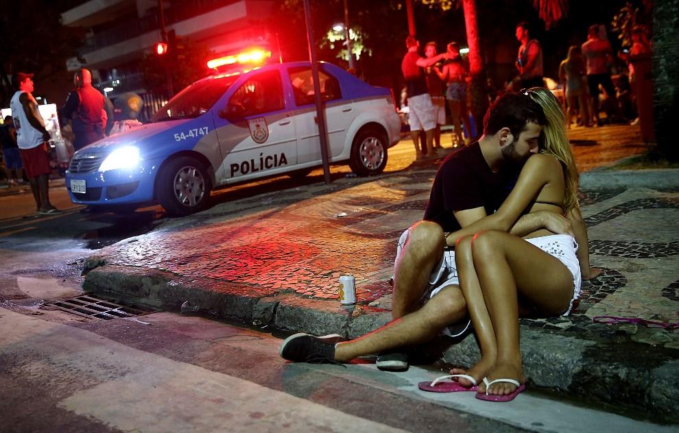 12.BRAZYLIA, Rio de Janeiro, 22 lutego 2014: Uczestnicy zabawy karnawałowej na przedmieściach Rio de Janeiro. (Foto: Mario Tama/Getty Images,)