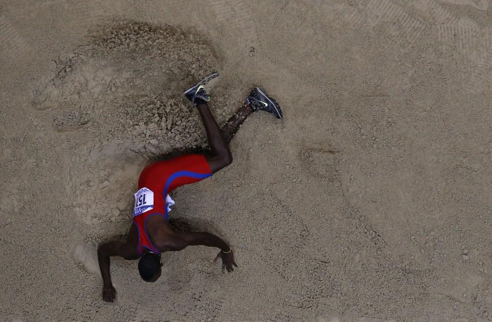 34.POLSKA, Sopot, 9 marca 2014: Kubańczyk Pedro Pablo Pichardo podczas zawodów w Sopocie. AFP PHOTO / ADRIAN DENNIS