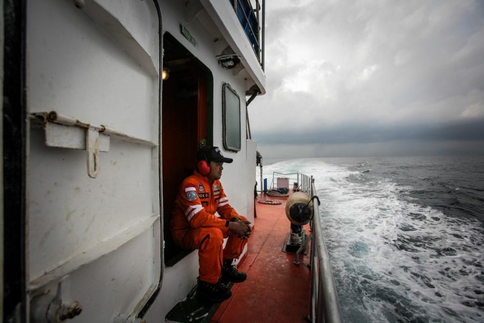 38.MORZE ANDAMAŃSKIE, 15 marca 2014: Indonezyjska jednostka przeszukująca wody Morza Andamańskiego. AFP PHOTO/ Chaideer MAHYUDDIN