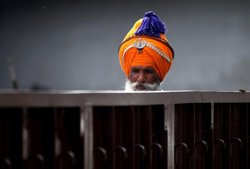 38.INDIE, Anandpur Saheb, 17 marca 2014: Sikh podczas święta Holi w świątyni. EPA/MONEY SHARMA Dostawca: PAP/EPA