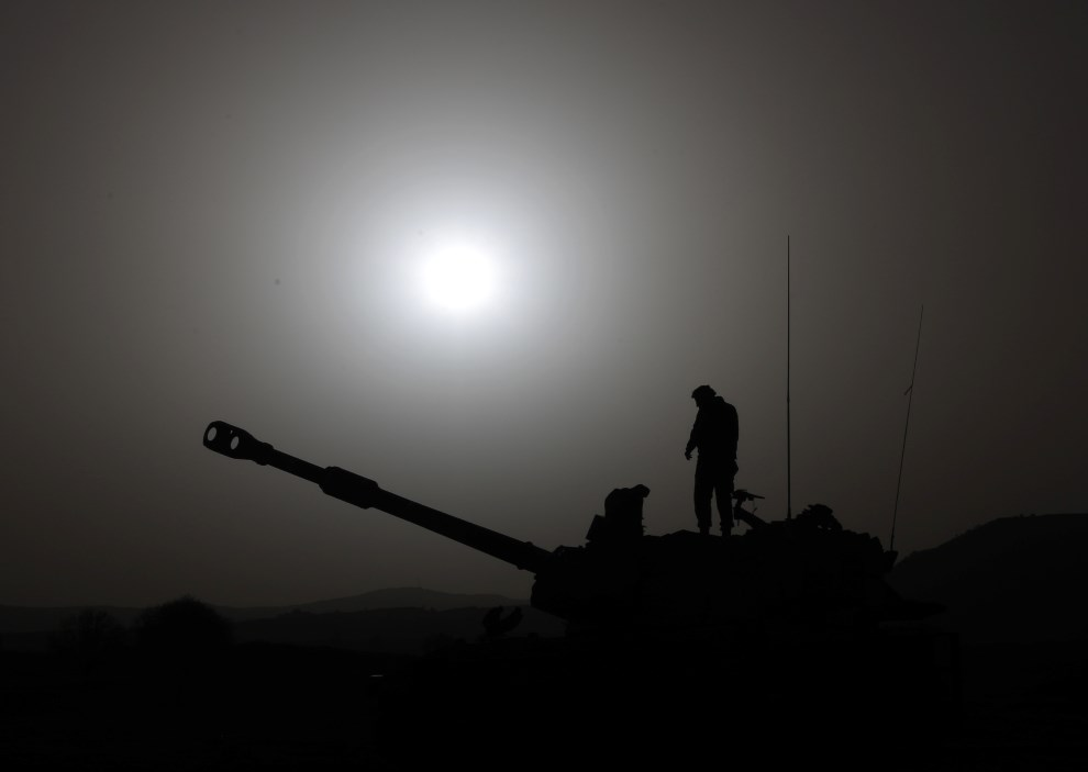 5.WZGÓRZA GOLAN, 6 marca 2014: Izraelski czołg na Wzgórzach Golan. AFP PHOTO/ JALAA MAREY