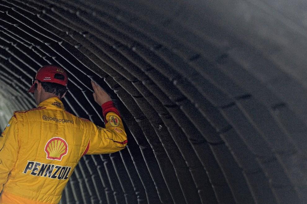 8.USA, Daytona Beach, 23 lutego 2014: Joey Logano kierowca zespołu Shell-Pennzoil Ford. Smith/Getty Images/AFP