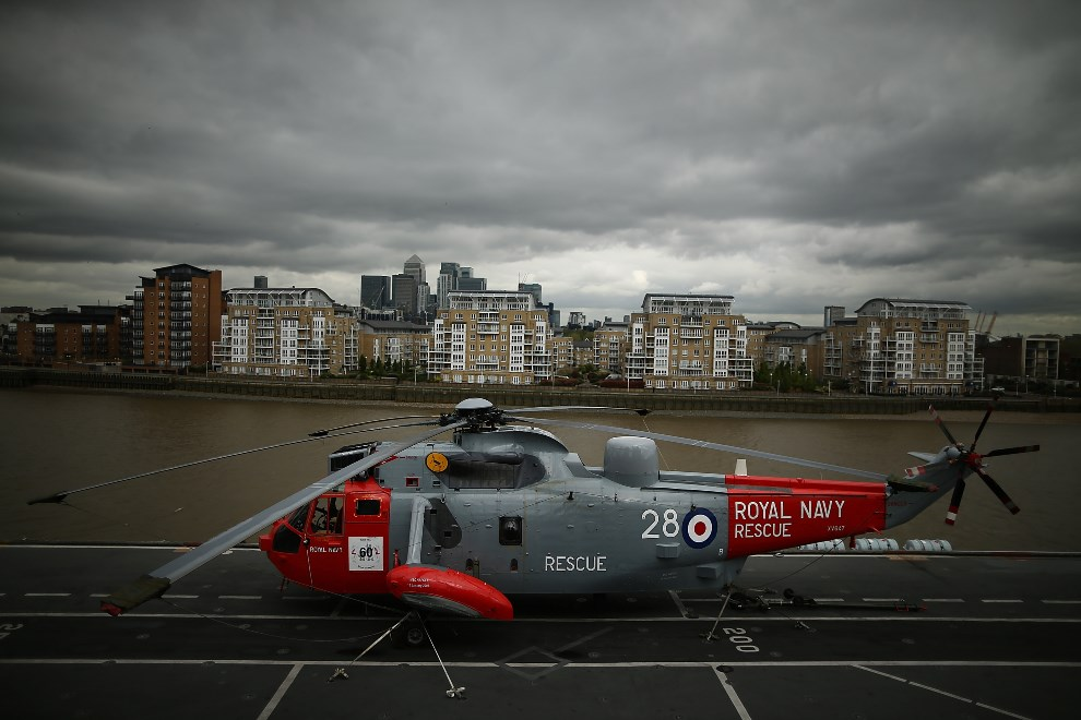 11.WIELKA BRYTANIA, Londyn, 10 maja 2013: Sikorsky SH-3 Sea King na pokładzie HMS Illustrious. (Foto: Dan Kitwood/Getty Images)