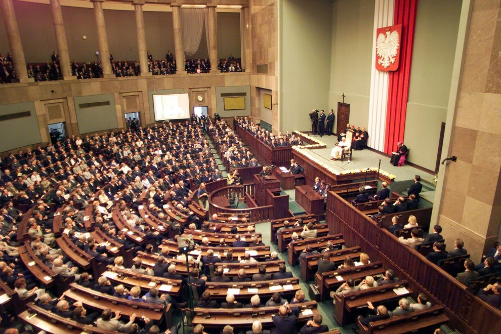 13.POLSKA, Warszawa, 11 czerwca 199: Jan Paweł II podczas wystąpienia w parlamencie. (ELECTRONIC IMAGE)