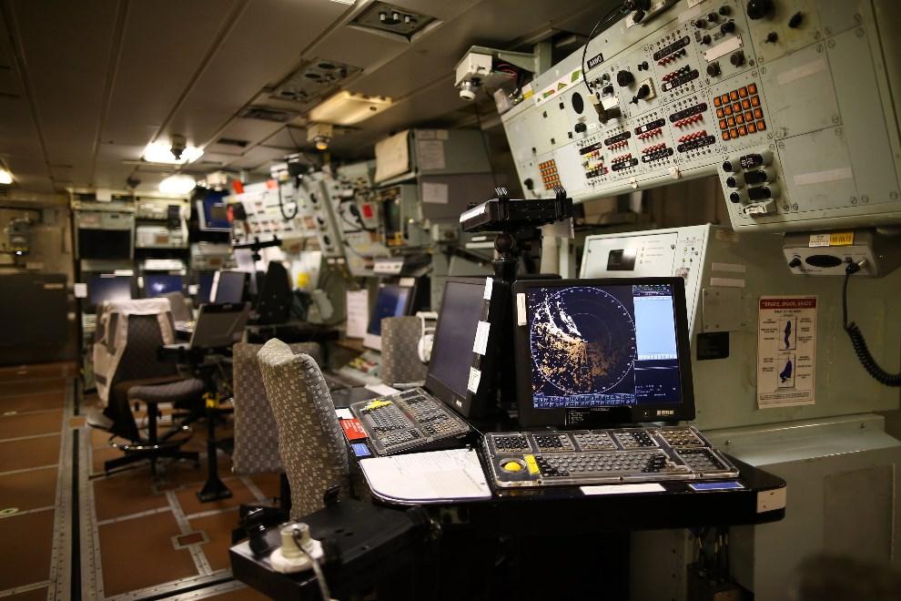 19.WIELKA BRYTANIA, Londyn, 10 maja 2013: Centrum kontroli na pokładzie HMS Illustrious. (Foto: Dan Kitwood/Getty Images)